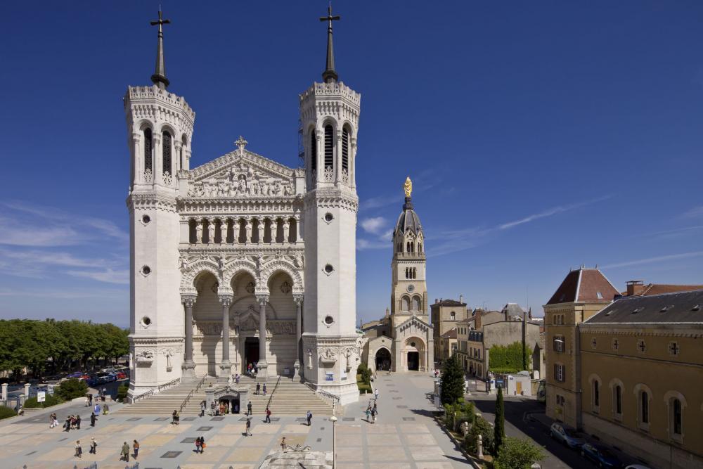 Lyon bisilique
